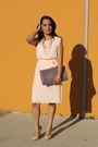 Tan-snake-textured-aldo-bag-peach-pleated-forever-21-dress