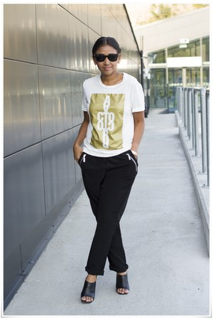 acne t-shirt - Zara shoes - Ray Ban sunglasses - Cubus pants