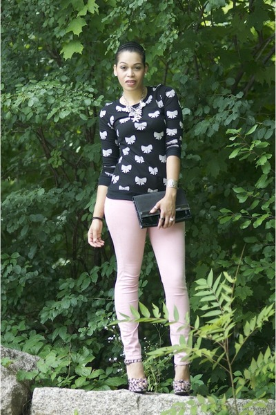 Forever 21 heels - light pink H&M jeans - black H&M bag