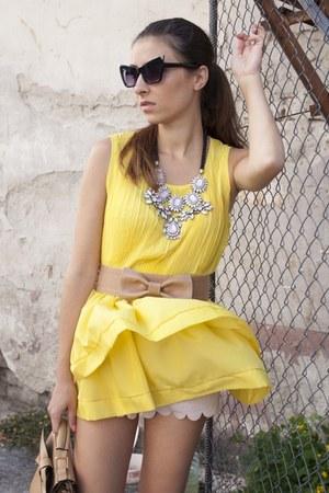 light pink Zara necklace - beige OASAP bag - light pink H&M shorts