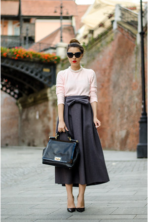 light pink Zara sweater - black Otter bag - black Zara pumps