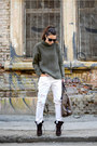 Dark-brown-zara-boots-white-kurtmann-jeans-army-green-oasap-sweater
