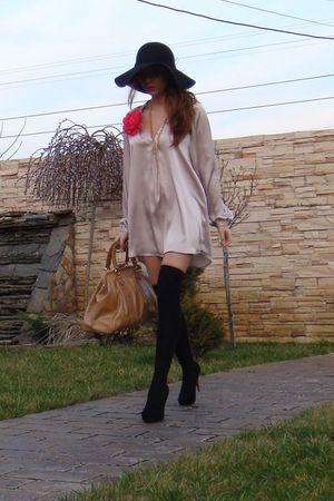 black random brand shoes - beige Zara dress - black MeliMelo hat