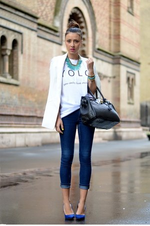 white t and jeans - Jean Yu Beauty