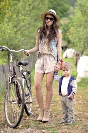camel H&M shirt - camel Zara shorts - blue sammydress vest