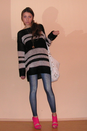 black Zara sweater - blue NewYorker leggings - white Zara accessories - pink Zar