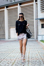 Black-kurtmann-blouse-beige-jessica-buurman-sandals