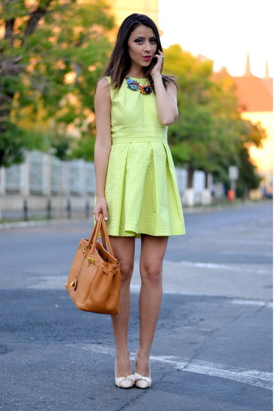 chartreuse atelier Funditza Roz dress - carrot orange Zara necklace