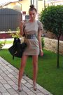 Beige-custom-made-dress-beige-italian-shoes-black-melimelo-belt-black-rand