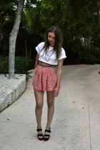 ruby red Topshop shorts - white Topshop t-shirt
