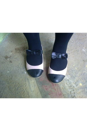 black thifted shoes