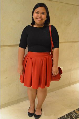 pleated Zara skirt - satchel bag - black 3-4 Oxygen blouse - bow H&M flats