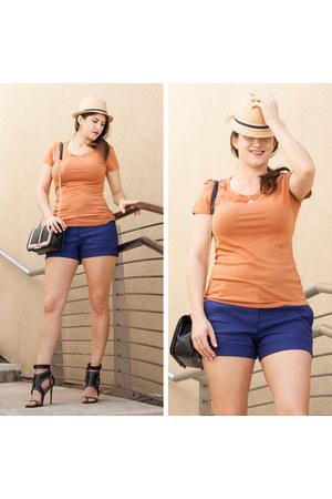 light orange ONNO shirt