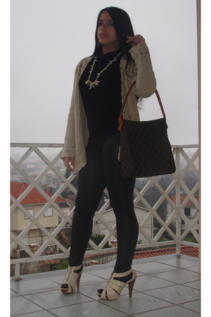 black shiny Zara leggings - yellow Sfera shoes - yellow Massimu Dutti coat