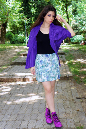 magenta wagoneer boots - violet Vero Moda skirt
