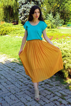 gold vintage skirt - aquamarine Lashez shirt