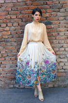 eggshell H&M skirt