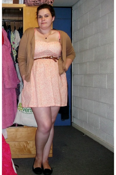 Peach Hm Dresses Black Primark Shoes Camel Hm Cardigans