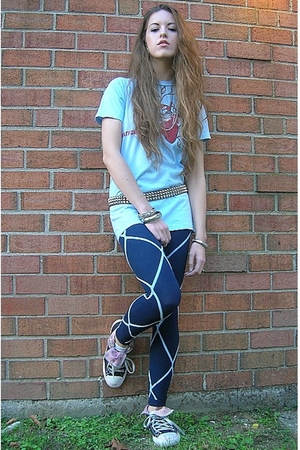 vintage shirt - Forever 21 leggings - Converse shoes - Hot Topic belt - vintage