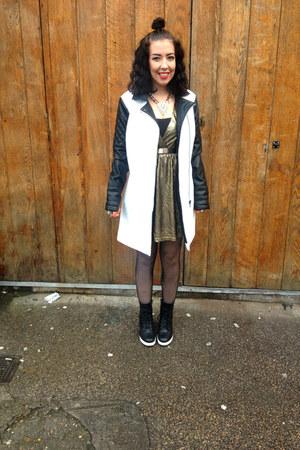 new look boots - Oh My Love dress - Internacionale coat