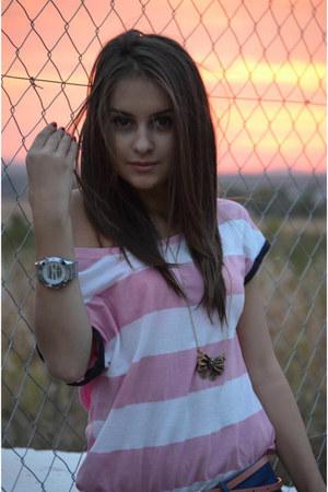 stradivarius jeans - bershka necklace - stradivarius white and pink t-shirt