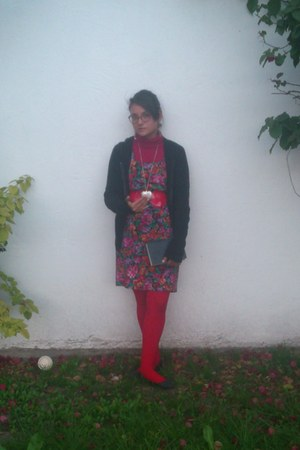 red catherine tights - brick red floral print thrifted dress