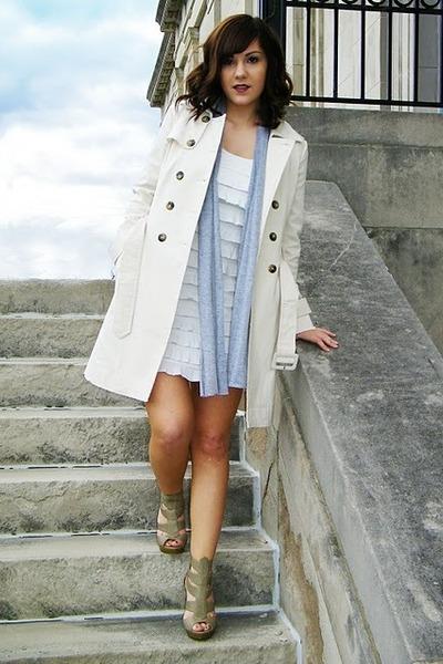 Walls Coat White Golden Rule Dress Gray Rue 21 Scarf Fashion Metro Shoes