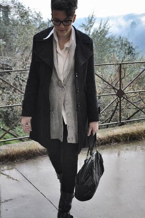 black Valentino bag - white Nara Camicie blouse - black Persol glasses