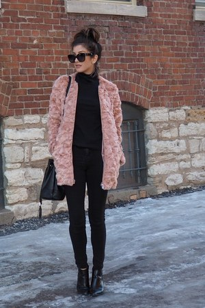 light pink faux fur Forever 21 coat - black Forever 21 sweater