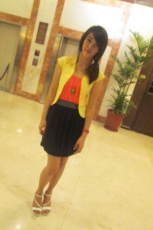 carrot orange 3 color dress Soprano dress - yellow yellow polo Old Navy blouse