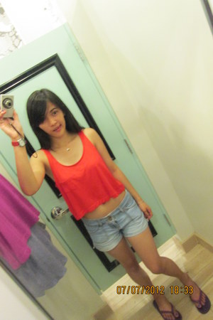 Forever 21 top - short shorts Gap shorts - red watch Nine West watch