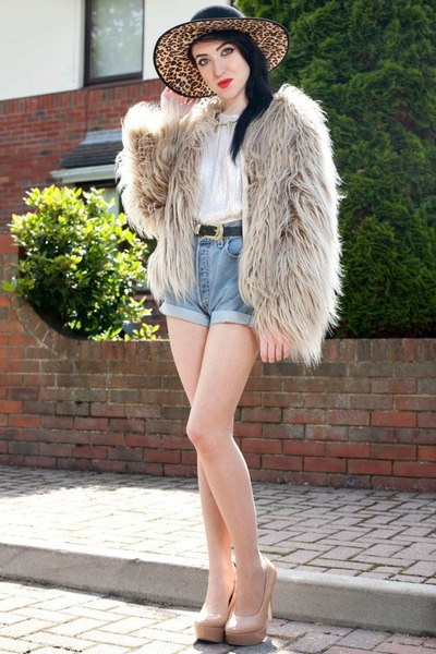 faux fur Zara jacket - leopard print asoscom hat - vintage Levis shorts