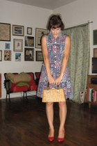 vintage dress - wicker vintage purse - vintage heels