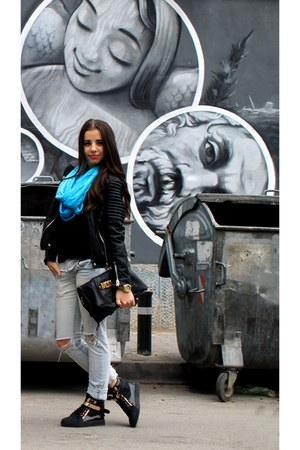 black cotton Zara sweater - light blue denim Tally Weijl jeans