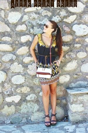 white gemstone Glam Chameleon bracelet - dark brown aztec Derhy dress