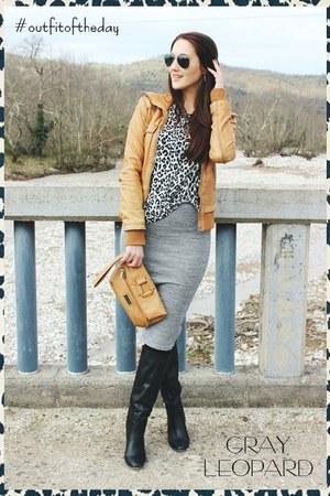 camel leather jacket Bershka jacket - black H&M sunglasses