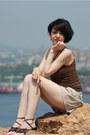 Beige-skirt-shorts-shorts-dark-brown-knitted-northland-top