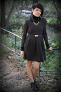 Dark-gray-oggi-dress-black-polo-neck-grid-nortland-t-shirt