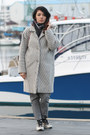 Heather-gray-no-name-coat-silver-appart-jeans-silver-matt-naviil-sneakers