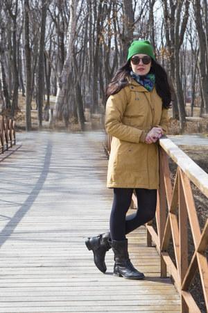 dark brown Bunker shoes - green no name hat - navy pavlovoposadskie platki scarf