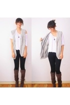 vest - aa t-shirt - Urban Outfitters boots