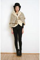 shida tatsuya coat