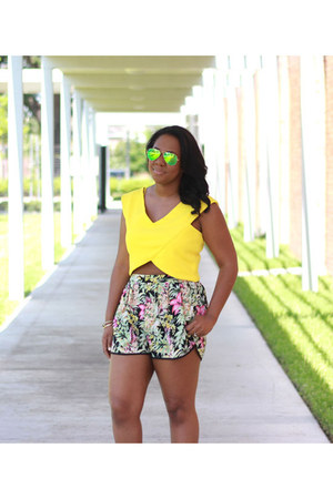 ray-ban sunglasses - Steve Madden sandals - River Island top