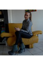 dark khaki Buffalo boots - heather gray shirt - black H&M tights