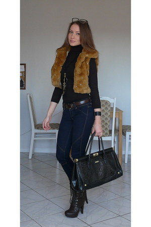 brown vest - dark brown boots - navy Mango jeans - black Moschino bag
