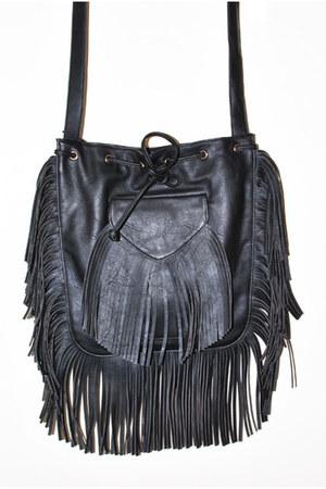 black purse purse