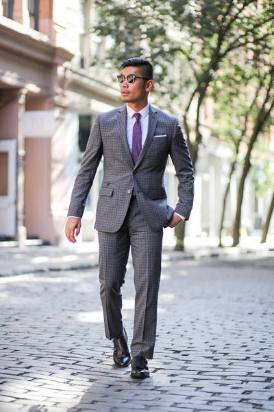 charcoal gray plaid Bar III suit - black Bar III shoes