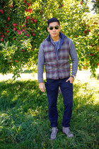heather gray down Grayers vest - blue JCrew boots - blue henley Grayers shirt
