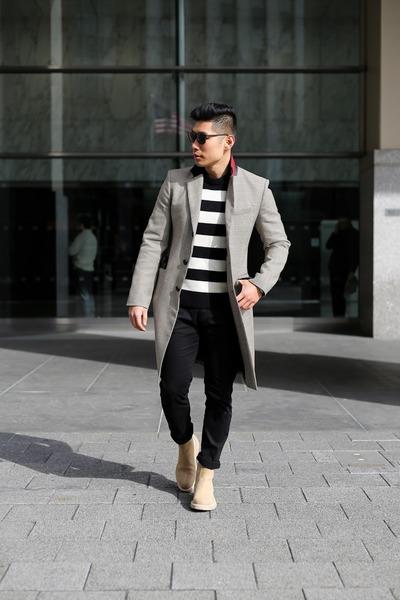 black denim Uniqlo jeans - camel suede Common Project boots