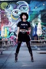 Tapestry-boots-numbber-tee-shirt-layered-belt-circle-skirt